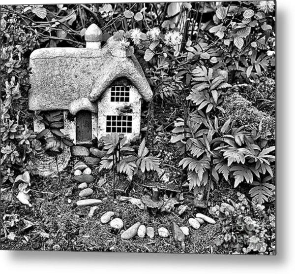 Flower Garden Cottage In Black And White Metal Print