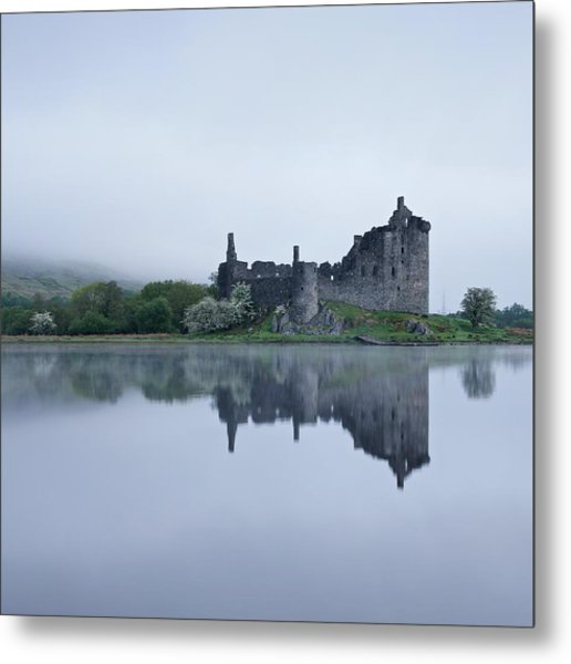 Fog At Kilchurn Castle Metal Print