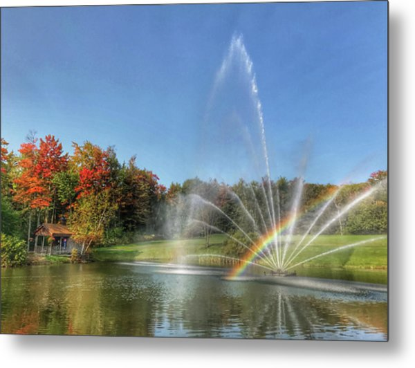 Fountain At Tater Hill Metal Print