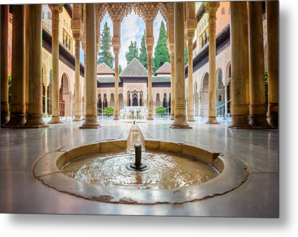 Fountain Of Lions At The Alhambra Metal Print