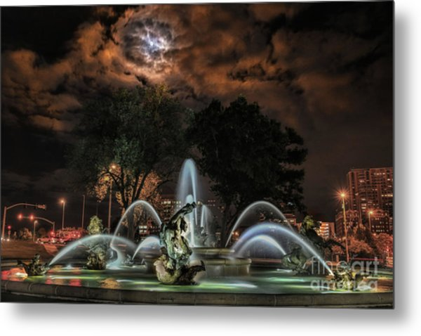 Full Moon At The Fountain Metal Print
