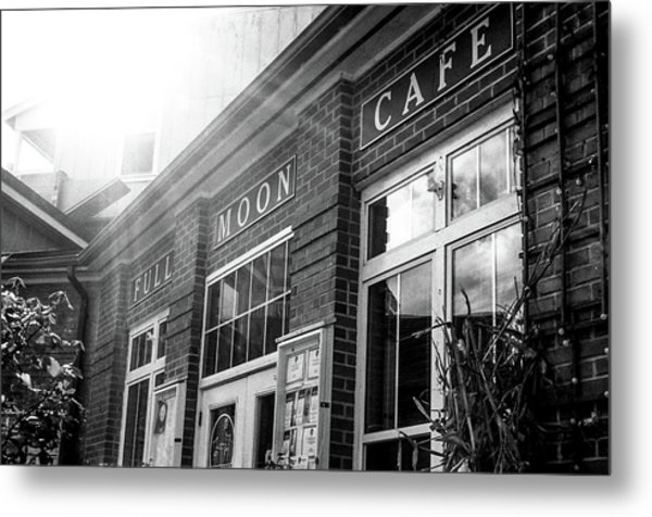 Metal Print featuring the photograph Full Moon Cafe by David Sutton