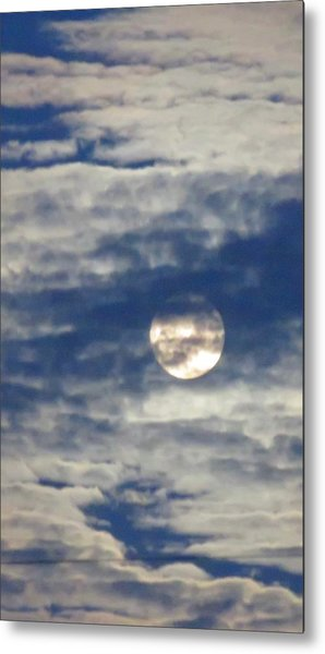 Full Moon In Gemini With Clouds Metal Print