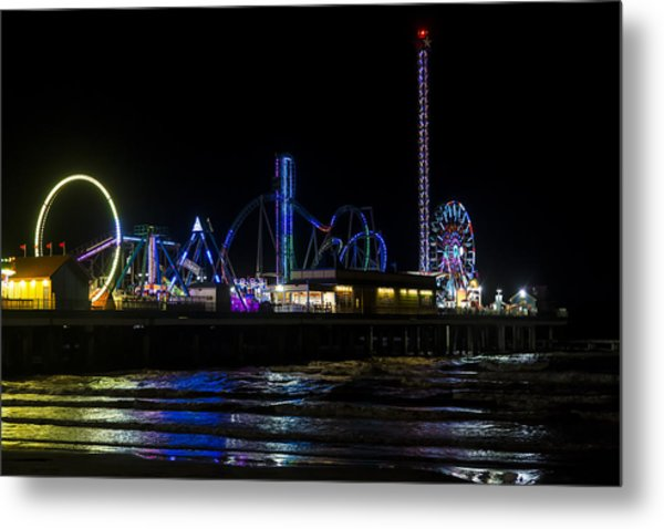 Galveston Island Historic Pleasure Pier At Night Metal Print