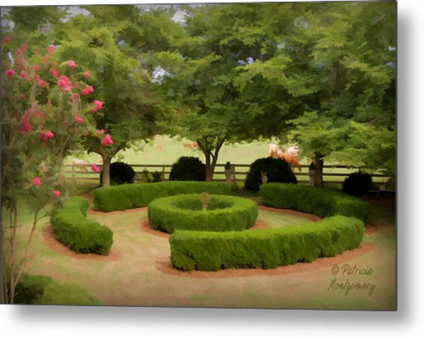 Garden At Colonial Heights Metal Print