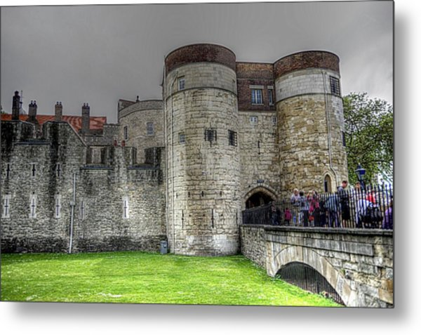 Gates To The Tower Of London Metal Print