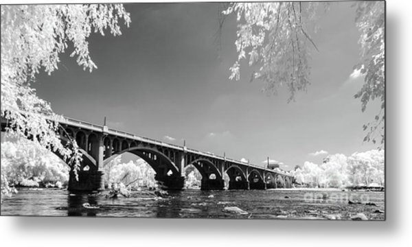 Gervais Street Bridge In Ir1 Metal Print