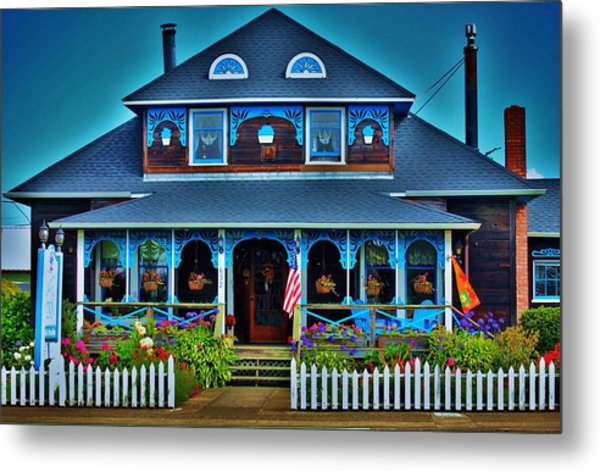 Gingerbread House Metal Print by Helen Carson