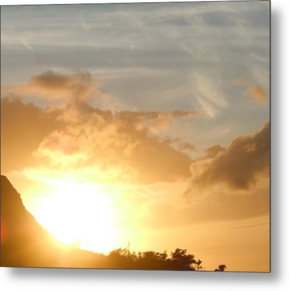 Golden Oahu Sunset Metal Print