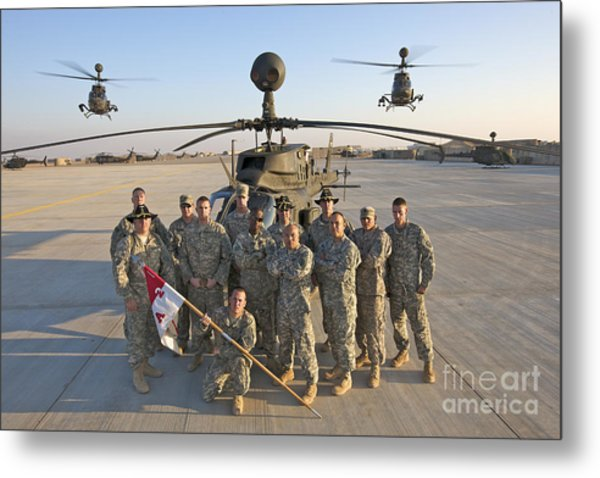 Group Photo Of U.s. Soldiers At Cob Metal Print