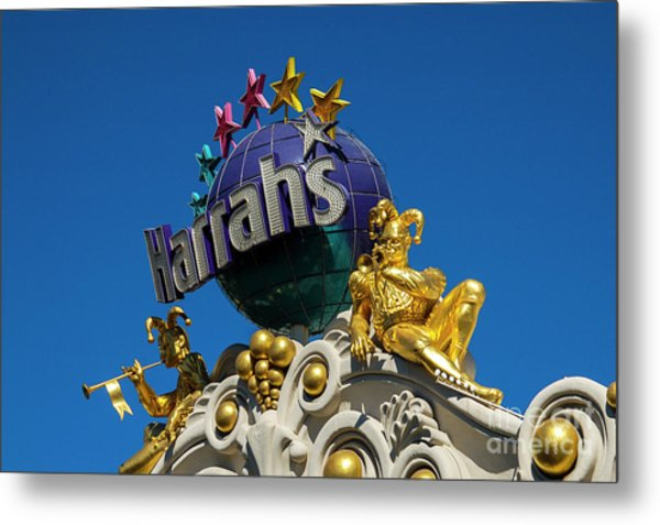Harrah's Casino Sign On The Las Vegas Strip Metal Print
