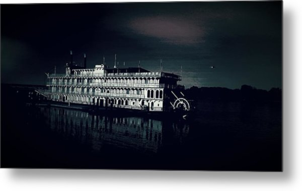 Haunted Dinner Cruise On The Columbia River  Metal Print