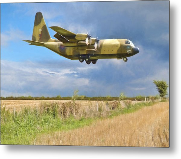 Metal Print featuring the photograph Hercules Xv222 by Paul Gulliver