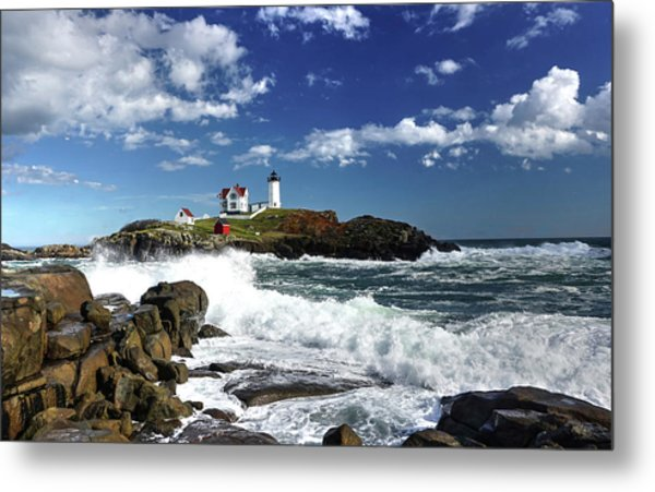 High Surf At Nubble Light Metal Print