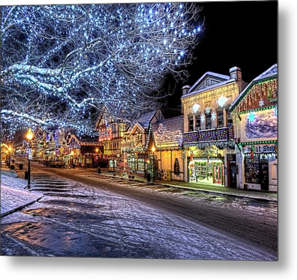 Holiday Village, Leavenworth, Wa Metal Print