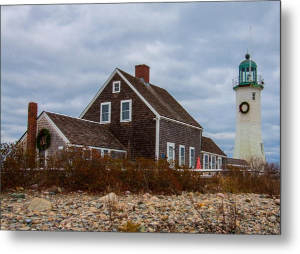 Holiday Wreath On The Lighthouse Metal Print