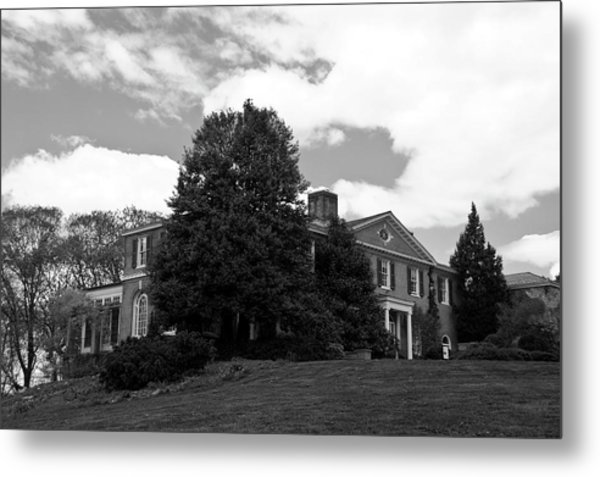 Metal Print featuring the photograph House On The Hill by Jose Rojas