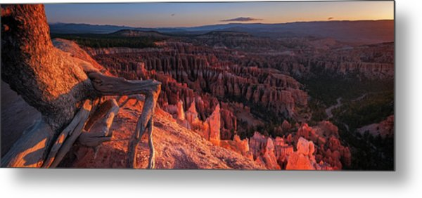 Metal Print featuring the photograph Inspiration Point by Edgars Erglis