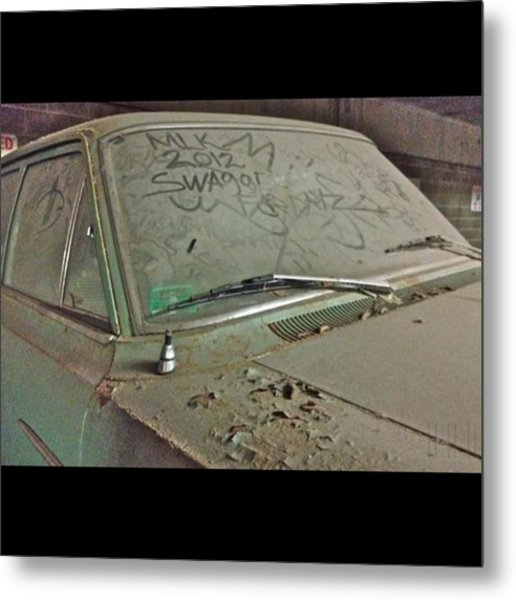 Dusty Rusty Car Metal Print