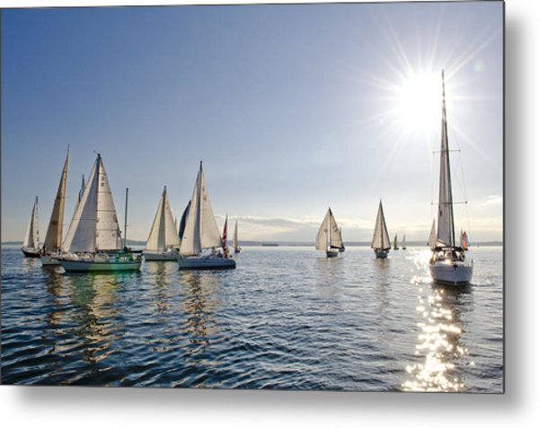 Into The Sun Metal Print by Tom Dowd