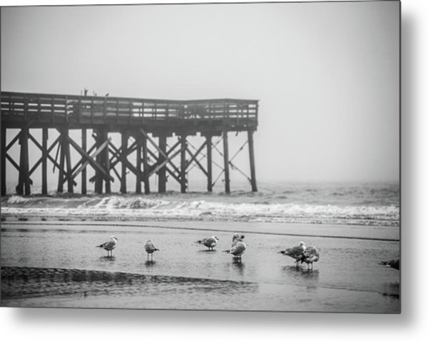 Isle Of Palms Pier And Fog Metal Print
