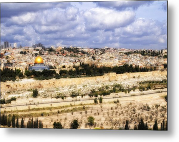 Jerusalem Awaits Her King Metal Print by Deb Cohen