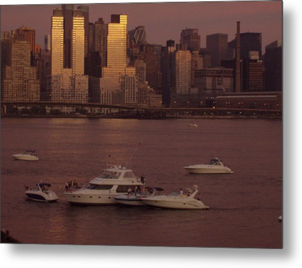 July 4th On The Hudson Metal Print by Wendy Uvino