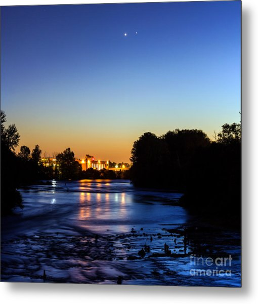 Jupiter And Venus Over The Willamette River In Eugene Oregon Metal Print