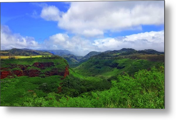 Kauai Mountains Metal Print