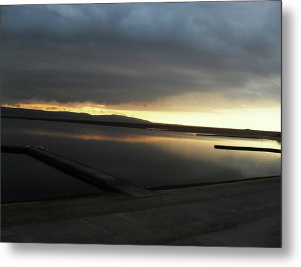Kiss Me By The Sunset Metal Print by Chrisselle Mowatt