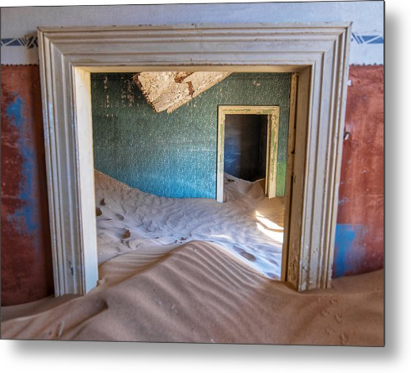 Metal Print featuring the photograph Kolmanskop 1 by Rand