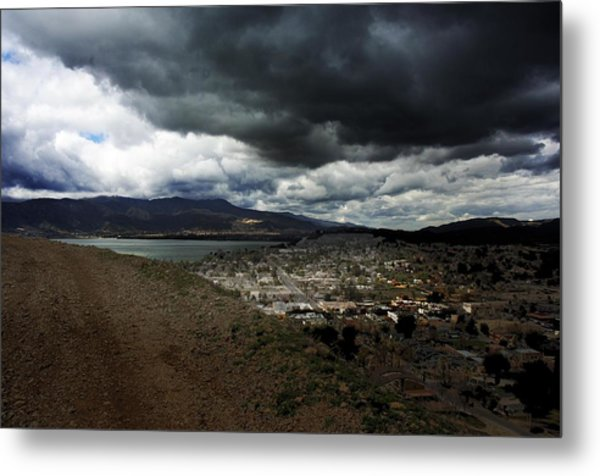 Lake Elsinore Waiting Metal Print by Richard Gordon