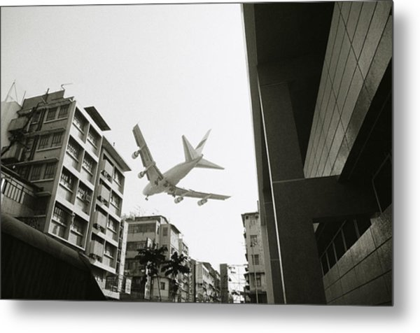 Landing In Hong Kong Metal Print