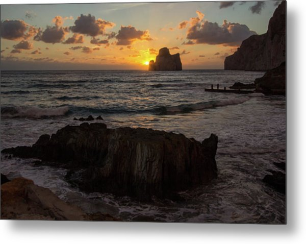 Large Rock Against The Light Metal Print