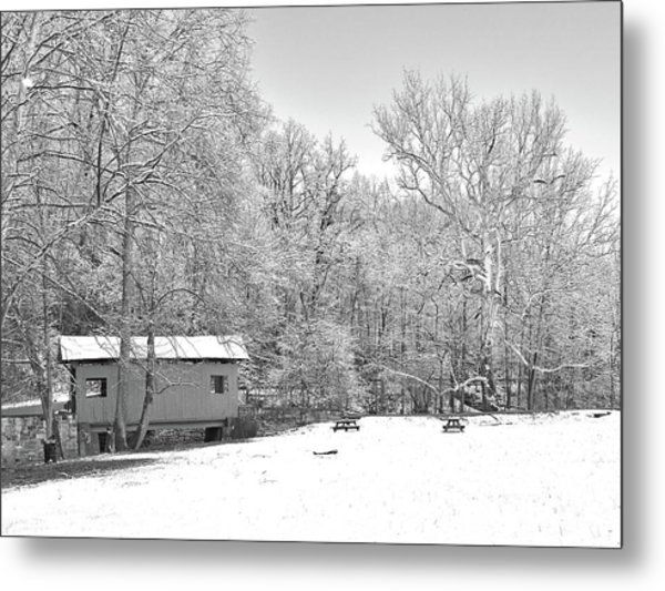 Metal Print featuring the photograph Late Winter Snowfall In Western Pennsylvania by Digital Photographic Arts