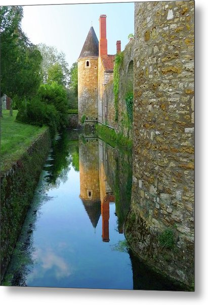 L'aubraie Tower Reflection Metal Print