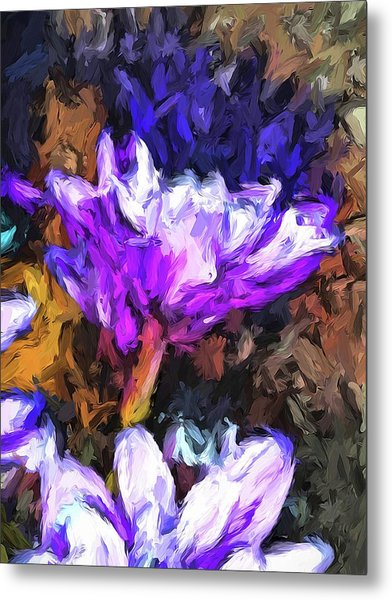 Lavender And White Flower With Reflection Metal Print