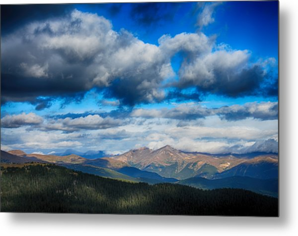 Layers Of Clouds On Mount Evans Metal Print