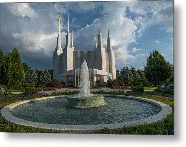 Lds Water Fountain  Metal Print