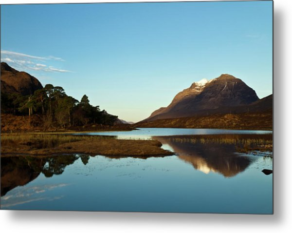 Liathach Sunrise Reflections Metal Print by Bill Buchan