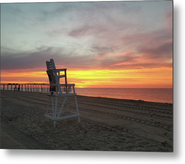 Lifeguard Stand On The Beach At Sunrise Metal Print