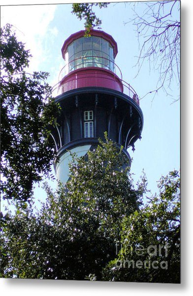 Lighthouse Among The Live Oaks Metal Print by Barbara Oberholtzer