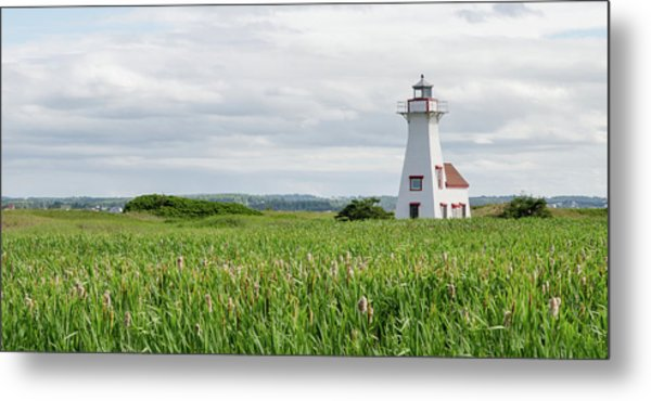 Metal Print featuring the photograph New London Lighthouse At French River by Rob Huntley