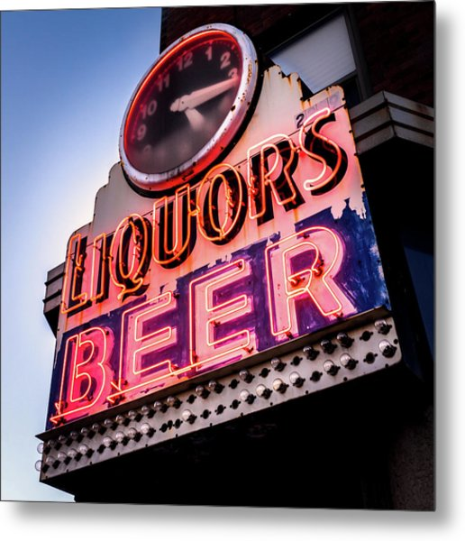 Liquors And Beer On University Ave Metal Print