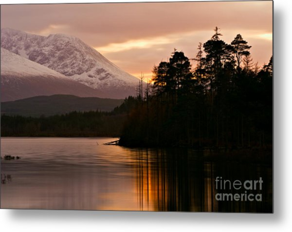 Loch Lochy Metal Print by David Bleeker