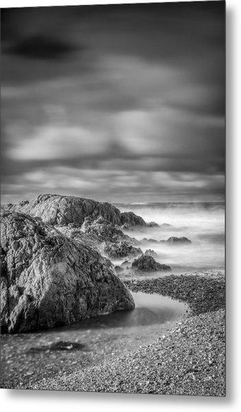 Long Exposure Of A Shingle Beach And Rocks Metal Print