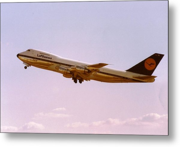 Lufthansa Boeing 747-200 Takes Off From Frankfurt Metal Print