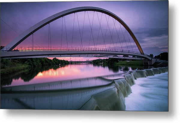 Magenta In The Midwest Metal Print