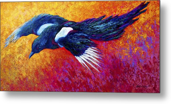 Magpie In Flight Metal Print