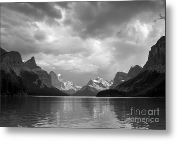 Maligne Lake Metal Print
